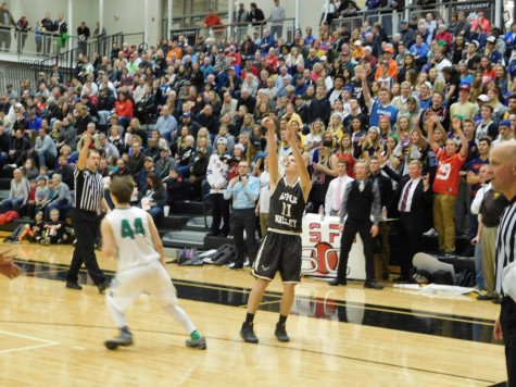 Trent and Kirksey Lift Apple Valley to Section Title