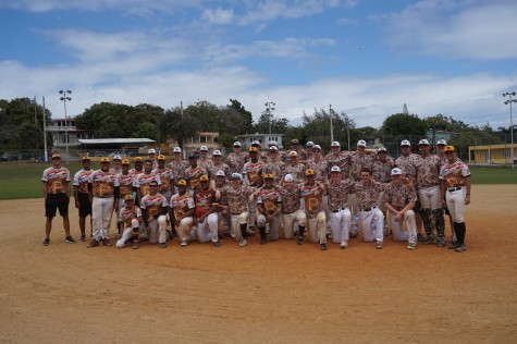 Apple Valley and the Pirates took a picture after an early afternoon scrimmage in Dorado.