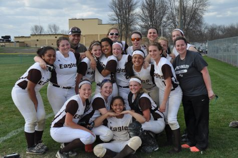 Eagles Softball Looks to Finish Strong