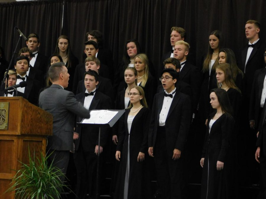 Joel Beyer directs VSC in the performance of